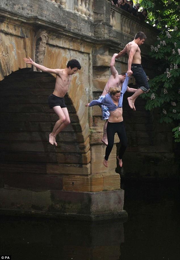 Magdalen Bridge Jump