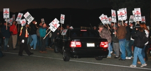 scab crossing picket lines
